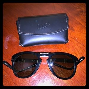 Persol 0714-  52mm Polarized - like new with case